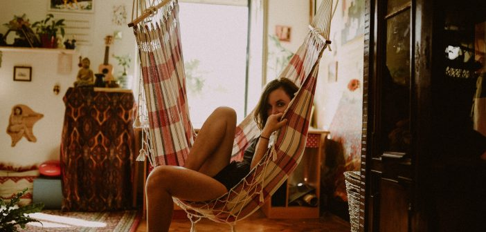 6 Expert Tips to Create The Sacred Space That Calls You In.