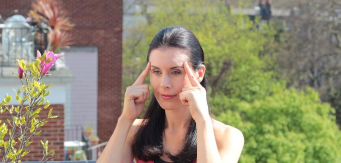 Beyond Botox – 5 Facial Yoga Exercises For A Natural Facelift