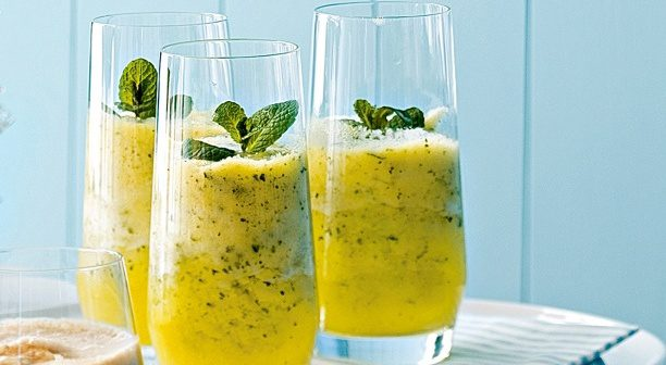 Pineapple-and-Mint-Frappe