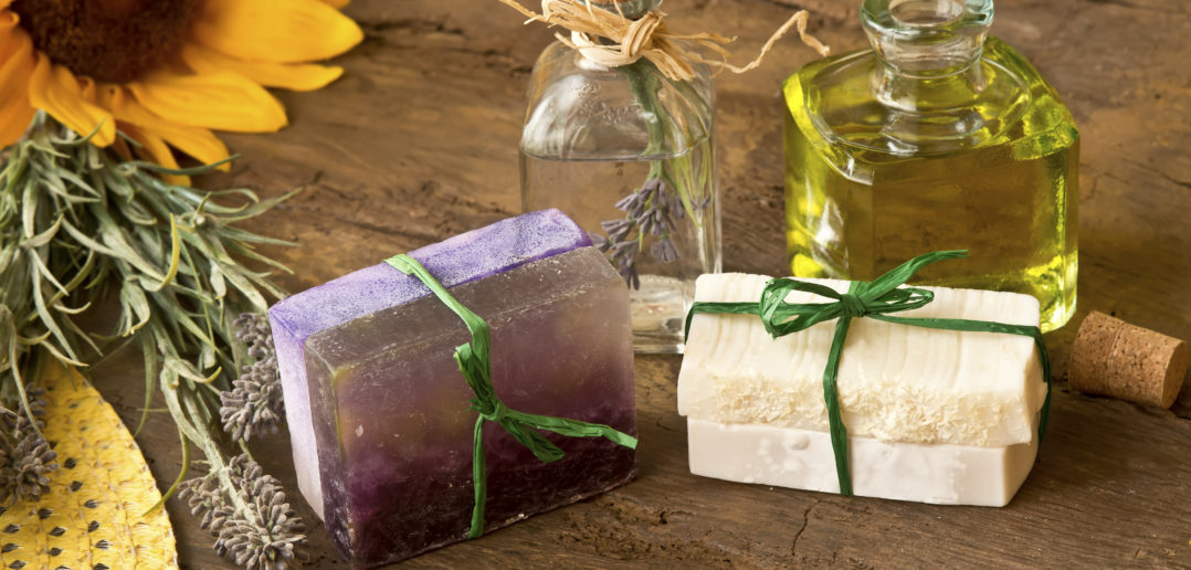 Soaps oiled olive and lavender flowers handmade with organic products