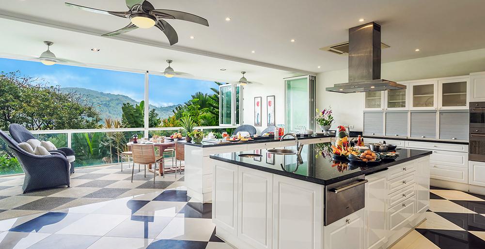 13-Villa Amanzi - Kitchen setting