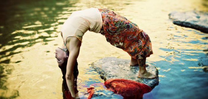 """3 things I've Learned From My Epic """"Yoga Fails"""""""