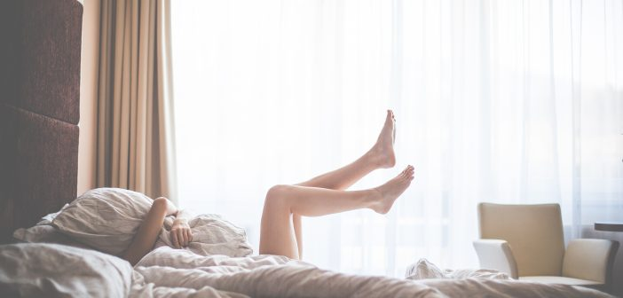 Sleep Naked! 8 Reasons You Should Embrace Your Body & Shed The Threads